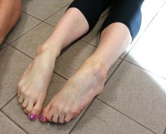 cassie-feet2